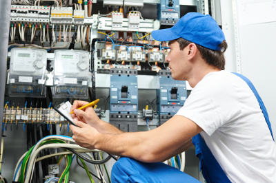 Columbia TN Electrical Contractor - Rains Electric Company - electrician2